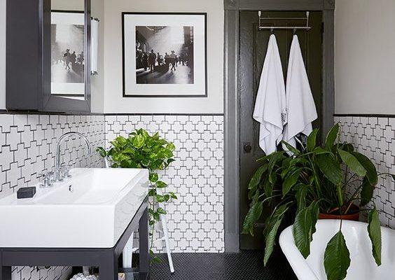 Freestanding Black and White Tub Bathroom